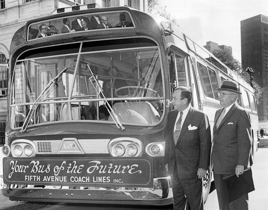 fifth-ave-coach-lines-debuts-its-new-wider-bus-to-mayor-robert-wagner-1959-barney-stein (2).jpg