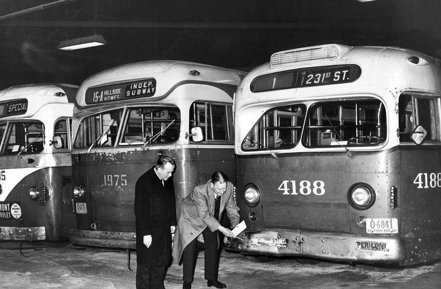 nyc-seizes-several-buses-and-are-inspected-by-officials-1962-william-jacobellis (2).jpg